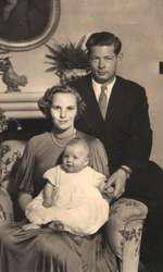 Regele Mihai si Regina Ana cu Principesa Margareta, 1950