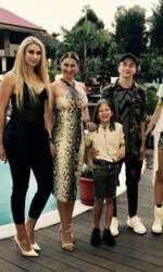 Anamaria Prodan și copiii