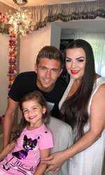 Costin Gheorghe Exatlon împreună cu mama și fiica lui