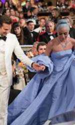 Lady Gaga și Bradley Cooper la Globurile de Aur