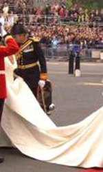 Rochia de mireasă a lui Kate Middleton a fost copiată de brandurile  mass-market și produsă în mii de exemplare.