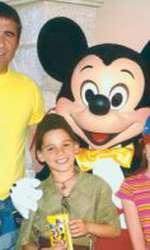 Gheorghe Hagi alături de soție și cei doi copii în anii 2000, la Disneyland