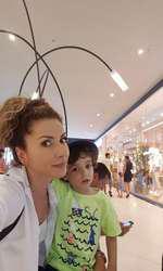 Carmen Brumă şi băieţelul ei, Vlad