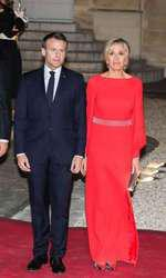 Brigitte Macron arată vizibil întinerită.