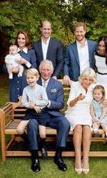 Prințul Charles, soția lui, Camilla, alături de cei doi fii, soțiile lor și nepoții săi.