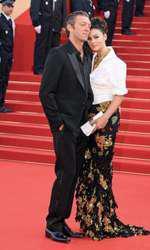 Alături de Vincent Cassel, actorul francez care i-a fost soț timp de 14 ani. Cei doi au fost împreună 18 ani și au două fiice.