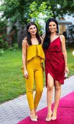 Corina Caragea și sora ei, Alexandra