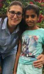 Sorina, fetița bruscată de procuroare e acum la familia adoptivă din SUA