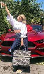 Lidia Buble a primit o mașină de ziua ei