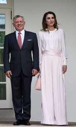 Donald Trump welcomes King Abdullah II and Queen Rania of Jordan
