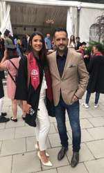 Mădălin Ionescu, alături de fiica lui, Ștefania, la ceremonia de absolvire a facultății.