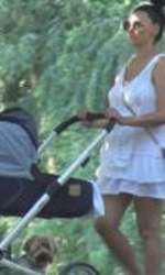 Lavinia Pârva, în rochie mini după ce a născut