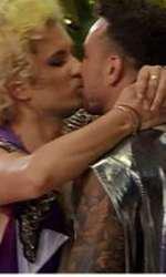 Bogdan şi Costas s-au sărutat la Insula Iubirii