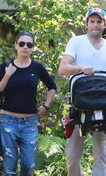 Ashton Kutcher și Mila Kunis, soția lui