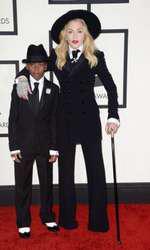 Madonna și fiul ei adoptiv David Banda Mwale Ciccone Ritchie