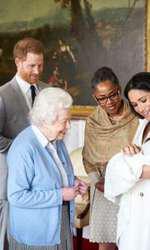 ReginaElisabeta a II-a a venit să-și cunoască strănepotul.