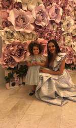 Cristina Şişcanu şi fiica ei şi a lui Mădălin Ionescu
