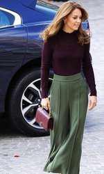Kate Middleton a făcut furori cu o pereche de pantaloni culottes.