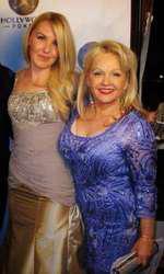 charlene, alături de fiica ei, Cherish
