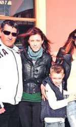 Victor slav, alături de Bianca și de familia ei.