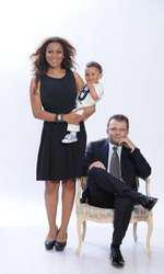 Nadine, alături de soțul ei și fiul lor, Noah