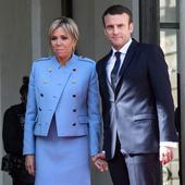 """""""Macron este un flăcău arătos, cu o mămică care arată bine"""