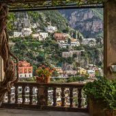 Câteva seri petrecute în Positano vor constitui o amintire romantică inedită