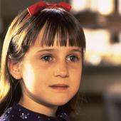 """O mai știi pe micuța și simpatica """"Matilda""""? Prin ce dramă a trecut la doar opt ani și motivul șocant care a făcut-o să renunțe la actorie"""