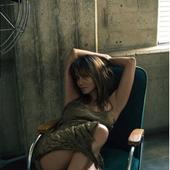 Halle Berry sexy
