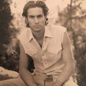 Oliver Hudson tanar