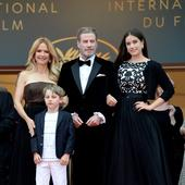 John Travolta cu sotia si copiii