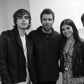 solistul trupei Oasis si trei dintre copiii sai