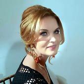 """Manuela Hărăbor, vacanță în Bulgaria! Nu degeaba e considerată una dintre cele mai frumoase actrițe de la noi. Imagini de colecție cu """"Pădureanca"""