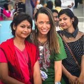 vedeta abia s-a intors din vacanta petrecuta in India