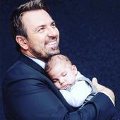 Cum arată acum Toma, fiul adoptat de Horia Brenciu în secret. Acesta va împlini 5 ani și a topit inimile fanilor cu această fotografie