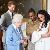 Meghan Markle și prințul Harry și-au scos fiul în lume. Unde au fost fotografiați cei trei