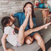 alaturi de fiica ei