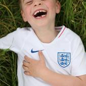 Prințul George a împlinit 6 ani. Imagini adorabile cu fiul prințului William au fost făcute publice de palatul Kensington