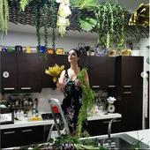 de instalaera suportului pentru flori s-a ocupat Adrian Brancoveanu