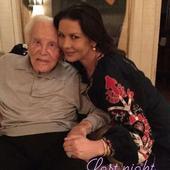 """Kirk Douglas și-a implorat fiul să-i îndeplinească o singură dorință la aniversarea lui de 103 de ani. Ce a cerut actorul: """"M-a implorat, cu lacrimi în ochi"""