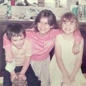 cei trei frati, in copilarie