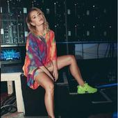 picioarele ei erata excelent inclusiv in pantofi sport