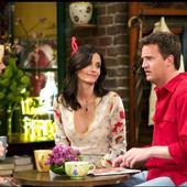 """Matthew Perry a fost la un pas de moarte, dar iată cum arată acum Chandler din serialul """"Friends"""