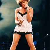 Tina Turner e nascuta in 26 noiembrie 1939
