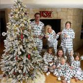 Tori Spelling si familia ei