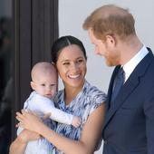 printul Harry si Meghan Markle au publicat prima felicitare de Craciun cu micul Archie