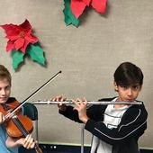 doi dintre octupleti canta la instrumente