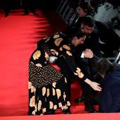Al Pacino, ridicat cu greu de pe covorul rosu
