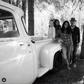 Bruce Willis, cu actuala lui sotie si cele doua fetite