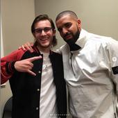 in urma cu trei ani, cu Drake